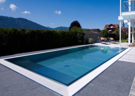 luxuriöses Edelstahl-Schwimmbecken