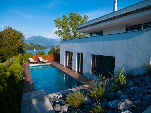 luxuriöses Edelstahlschwimmbad