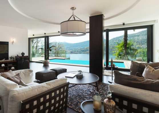 Wohnzimmer mit herrlichem Blick aufs Schwimmbad