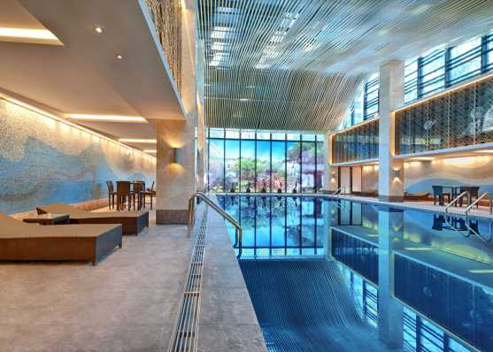 Öffentliches Indoor Swimmingpool