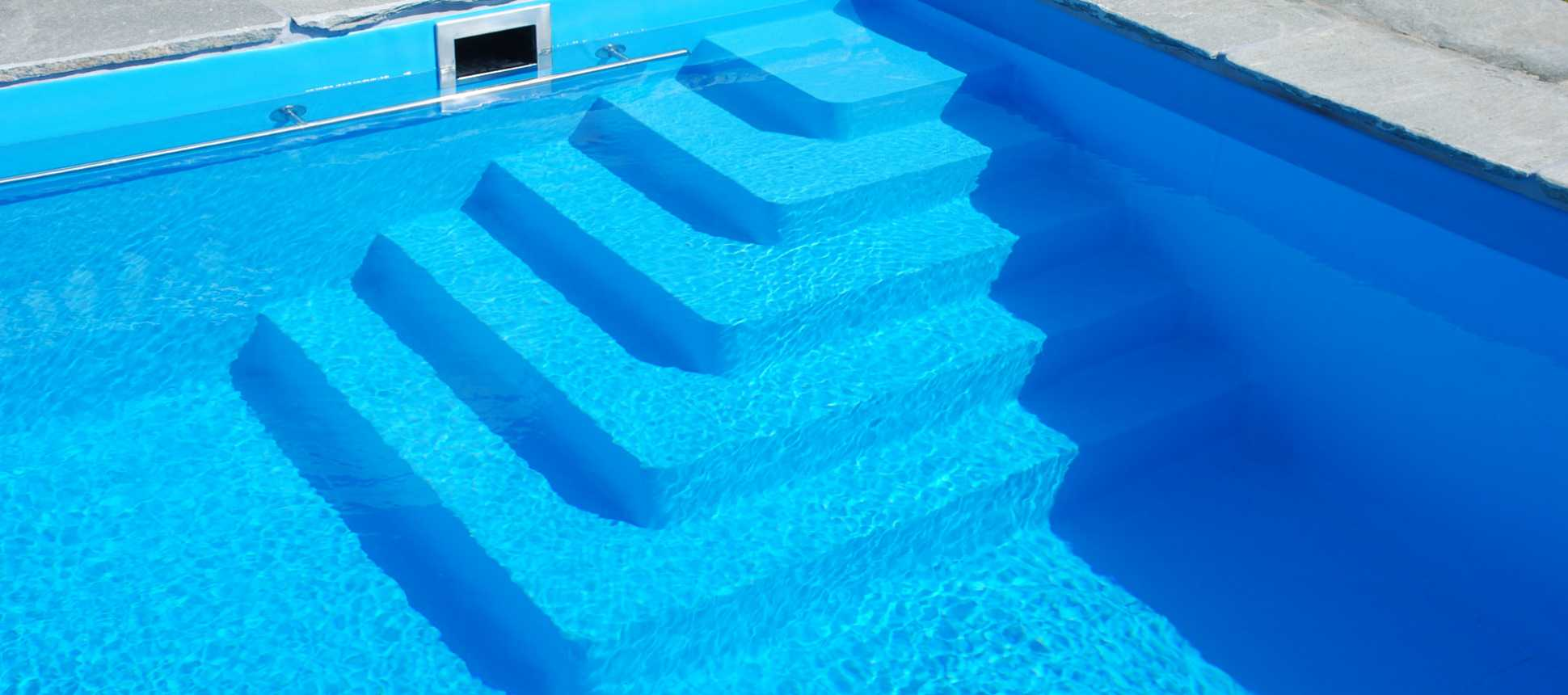 Schwimmbadsanierung Schwimmbadtreppe