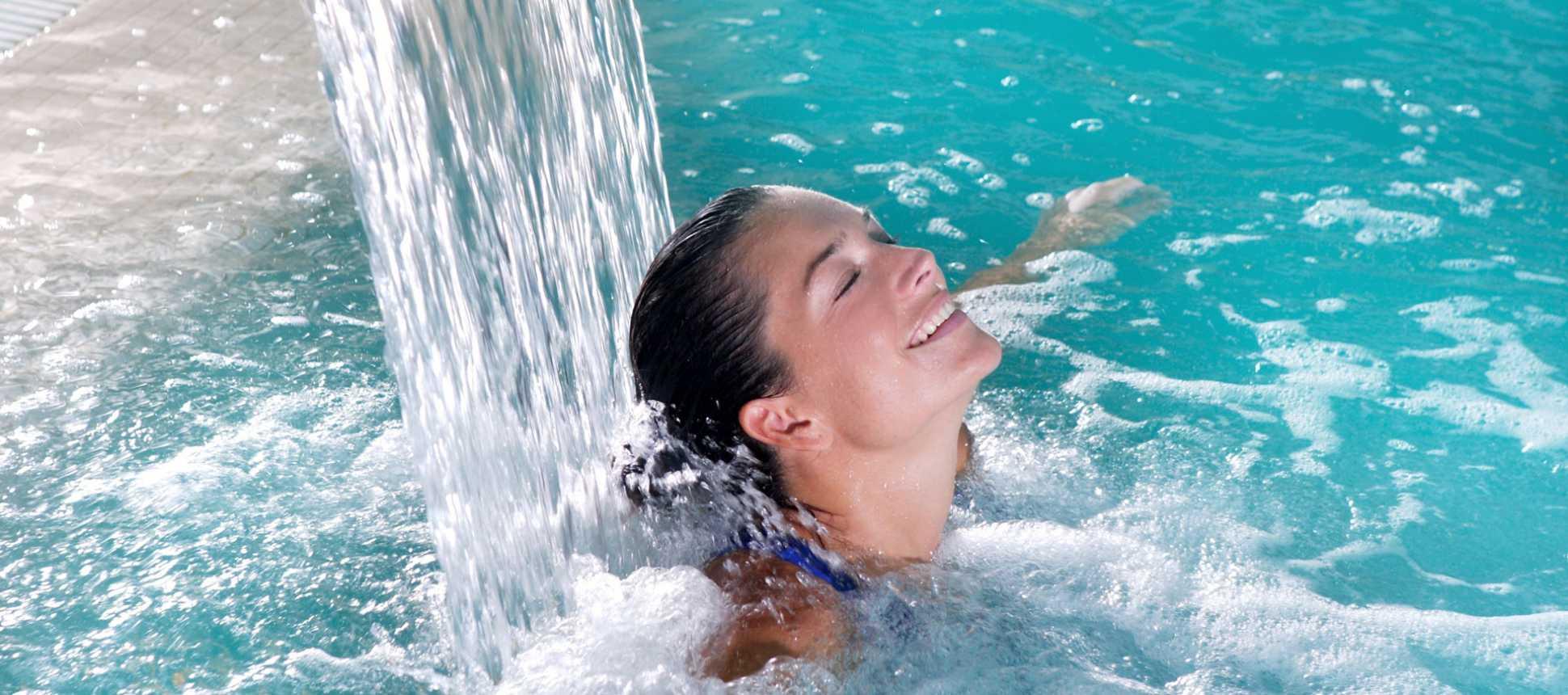 Schwimmbad Swimming Pool Wellness