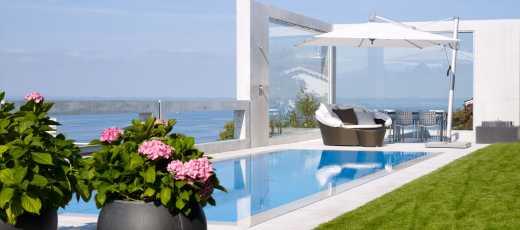 Swimmingpool im Garten