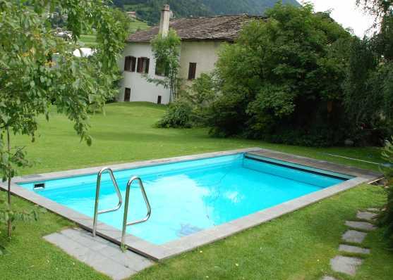 Gartenschwimmbad mit Einstiegsleiter