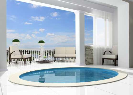 kleiner Swimmingpool auf Attika Terrasse