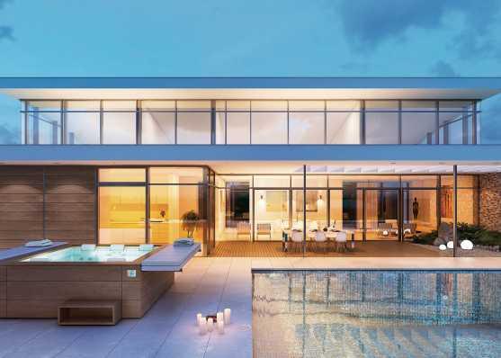 Swimmingpool mit Whirlpool vor Villa