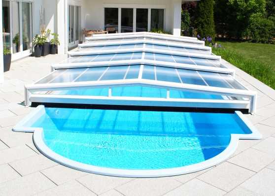 Schiebbare Schwimmbadüberdachung ohne Schienen