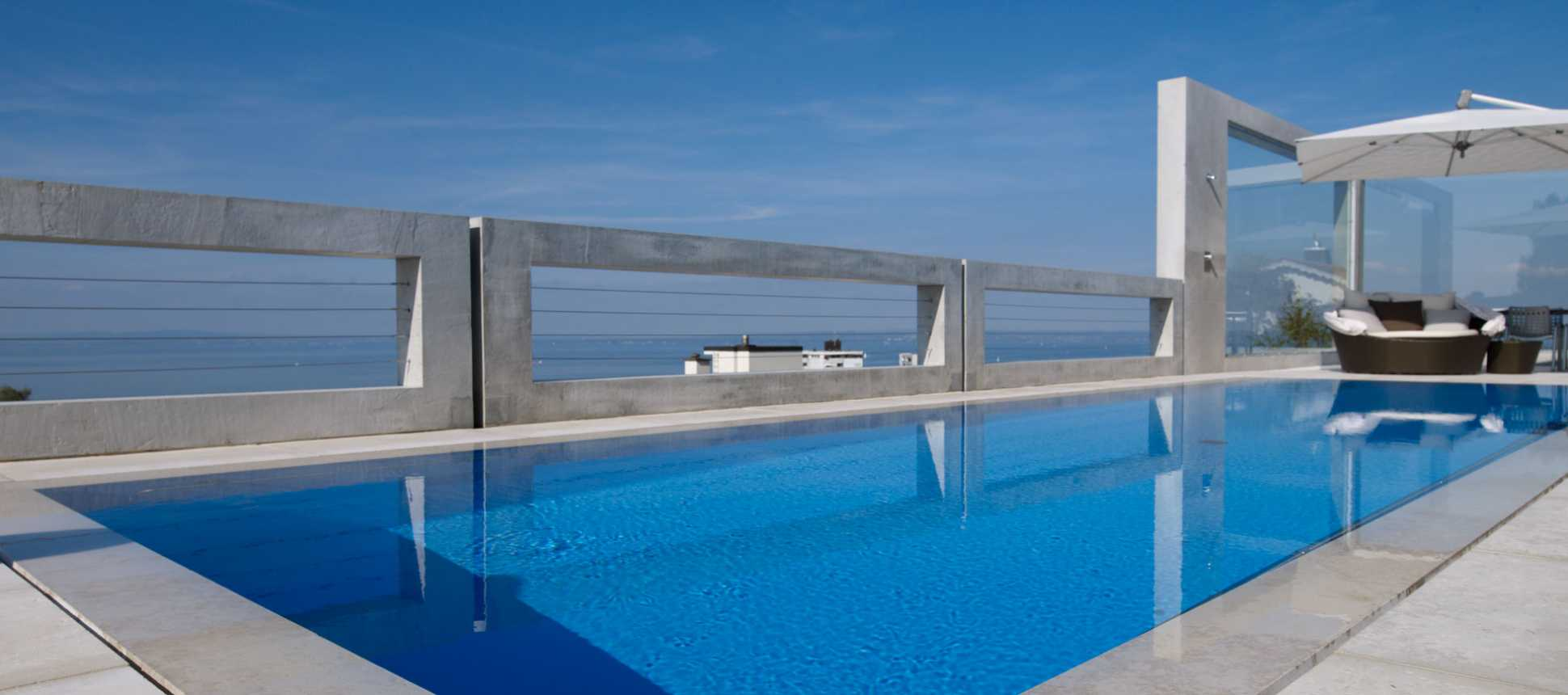 Swimmingpool mit Aussicht