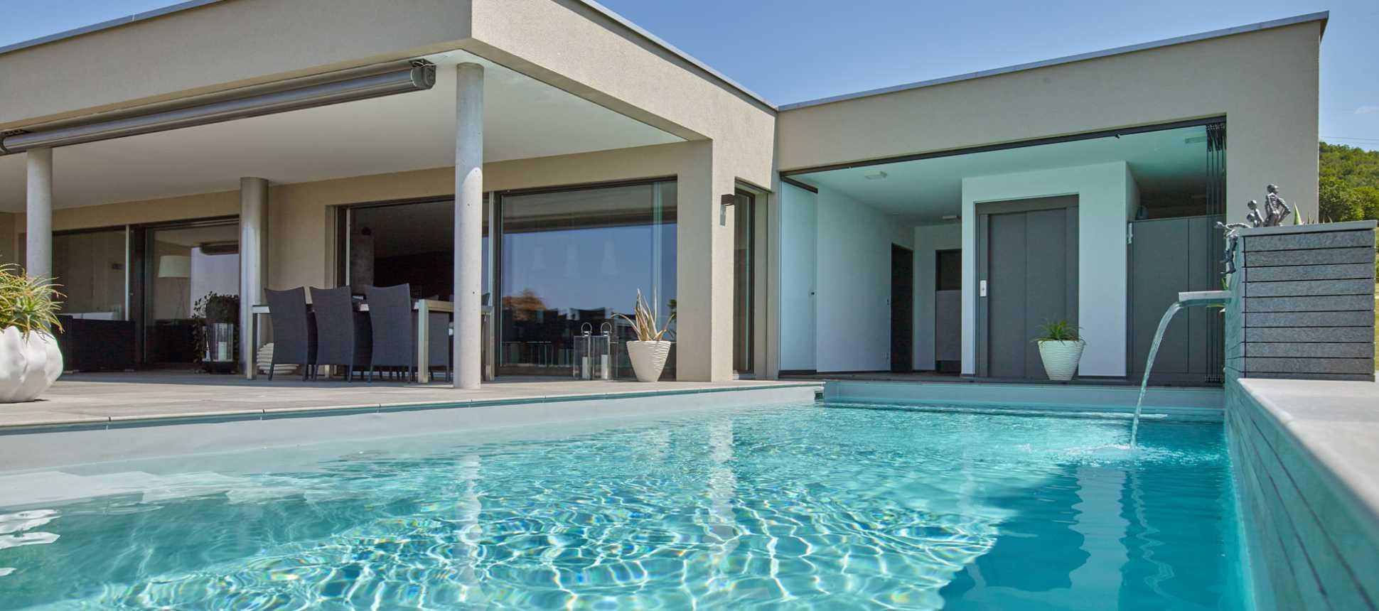 Swimmingpools Attika Schwimmbad