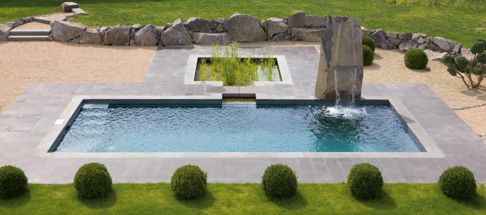 Schwimmbadsanierung Polyesterbecken