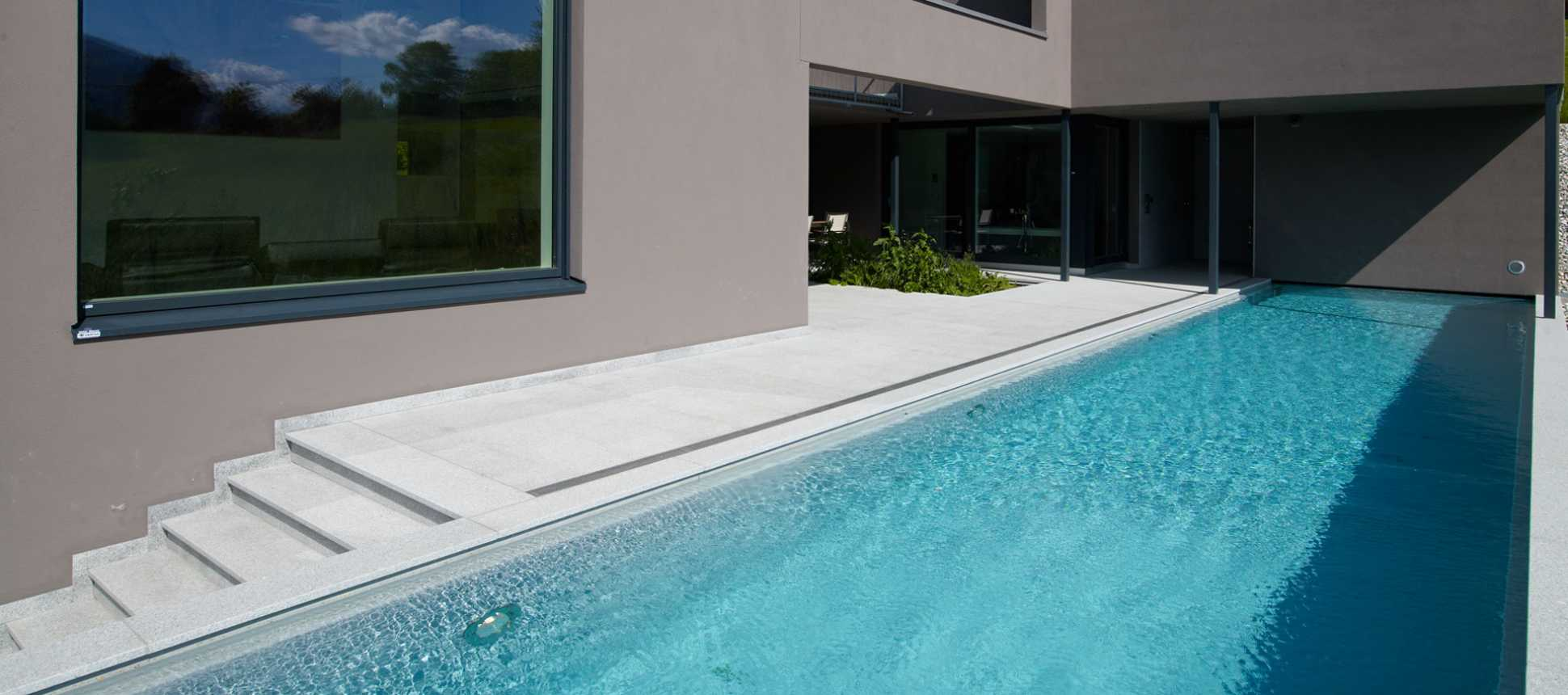 Schwimmbadbau Schweiz