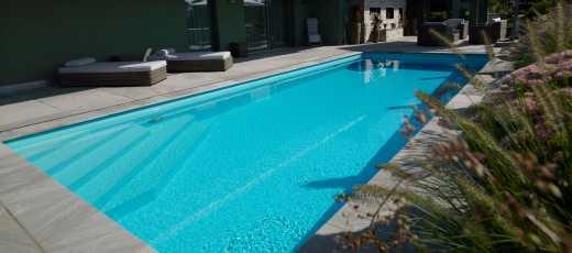 Attikaschwimmbad